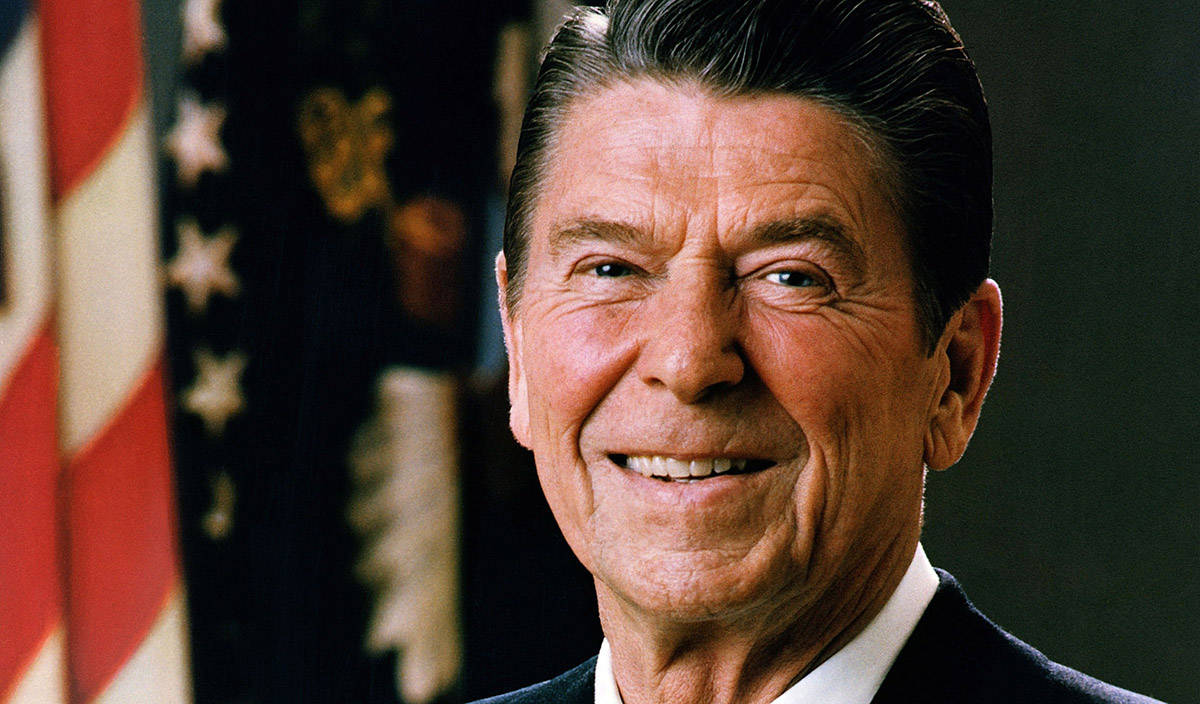Official_Portrait_of_President_Reagan_1981-(1)